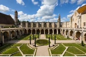 jardin-cloitre-royaumont-abbaye-fondation_photo_carousel_2+